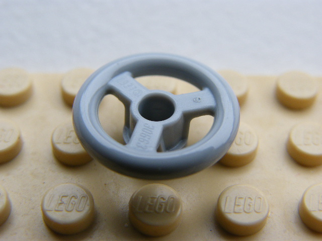 LEGO 2819 - Light Bluish Gray Technic, Steering Wheel Small, 3 Studs Diameter