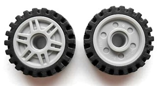 LEGO 13971c01 Light Bluish Gray Wheel 18mm D. x 8mm with Fake Bolts and Deep Spokes with Inner Ring with Black Tire Offset Tread