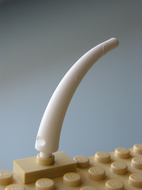 LEGO 40379 - White Dinosaur Tail End Section