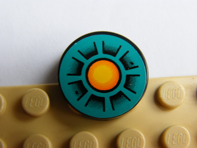 LEGO 4150pb022 - Tile, Round 2 x 2 with Dark Turquoise, Orange Circle, Black Wedges Pattern