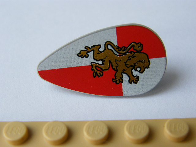 LEGO 2586px19 Minifigure, Shield Ovoid with Gold Lion on Red and White Quarters Background Pattern