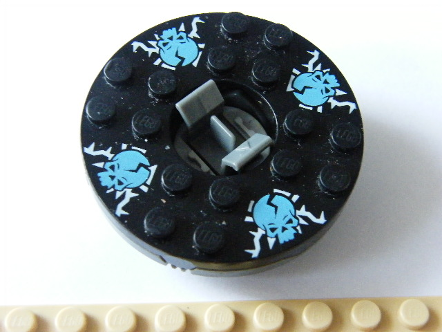 LEGO bb493c02pb04 - Turntable 6 x 6 Round Base with Black Top