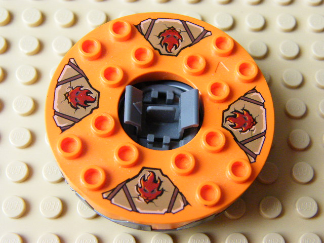 LEGO bb549c07pb01 - Turntable 6 x 6 Round Base Serrated with Orange Top