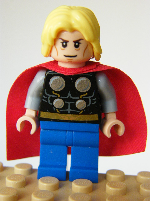 LEGO Super Heroes 098 - Thor - No Beard