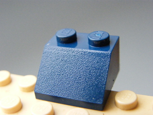 LEGO 3039 - Dark Blue Slope 45 2 x 2