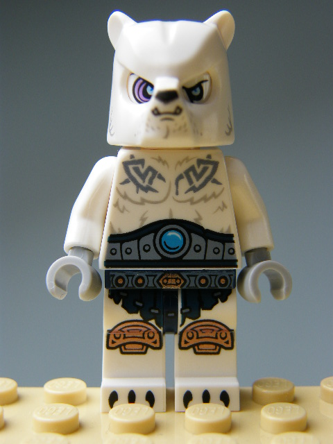 LEGO Legends of Chima - Ice Bear Warrior 1