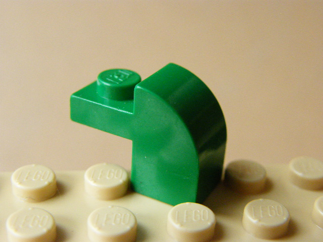 LEGO 6091 Green Brick, Modified 1 x 2 x 1 1/3 with Curved Top