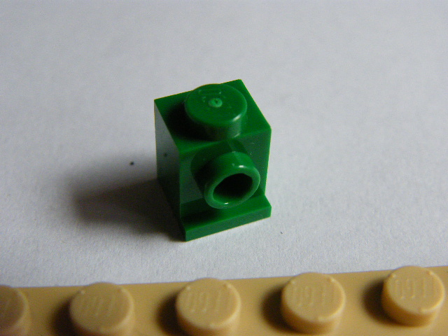 LEGO 4070 Green Brick, Modified 1 x 1 with Headlight