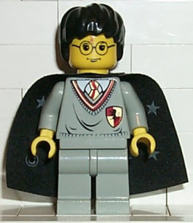 LEGO  hp005 - Harry Potter, Gryffindor Shield Torso, Light Gray Legs, Black Cape with Stars