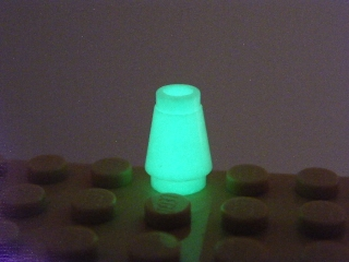 LEGO 4589Bb Glow In Dark White Cone 1 x 1 with Top Groove